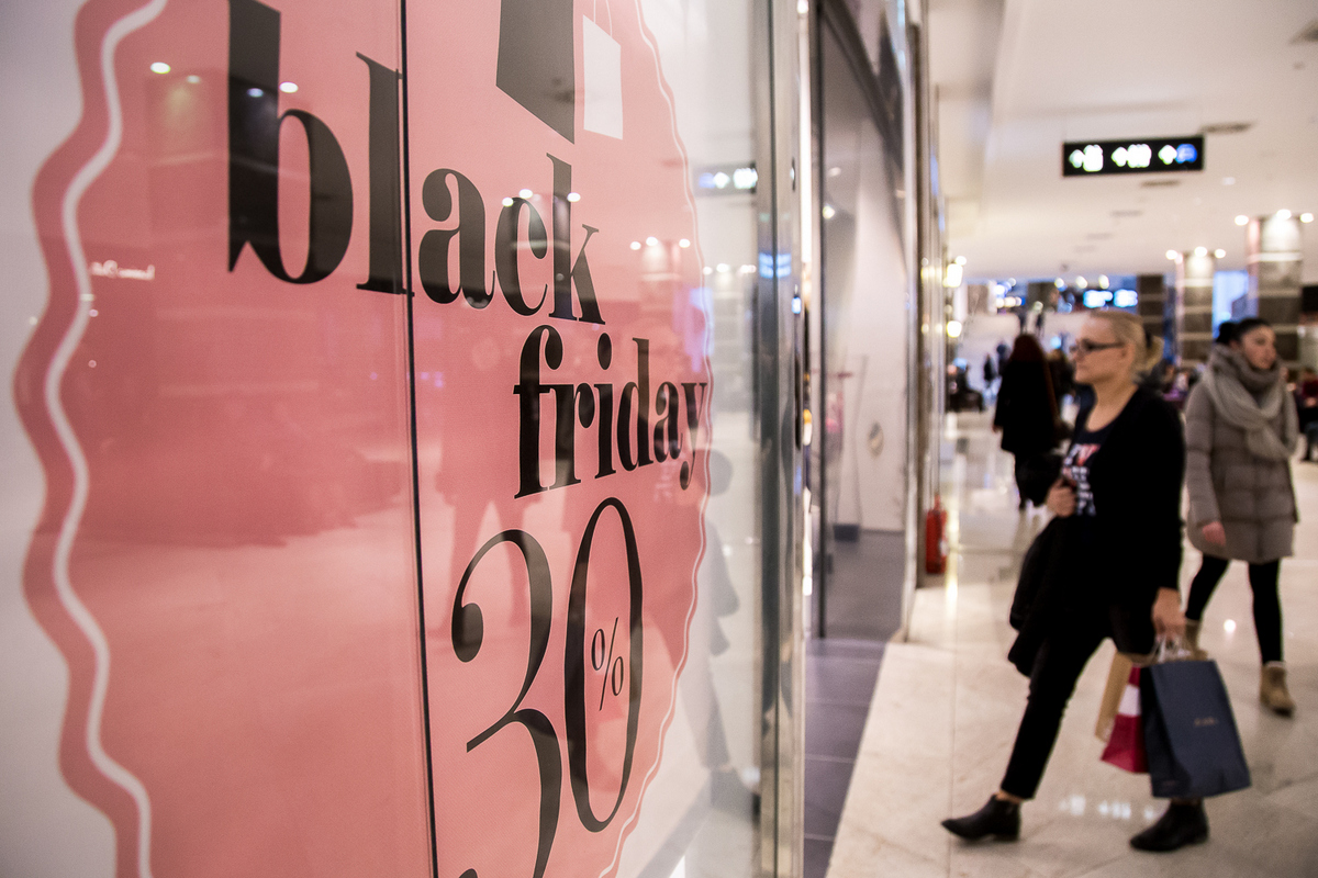 Black Friday Palas si Iulius Mall Iasi