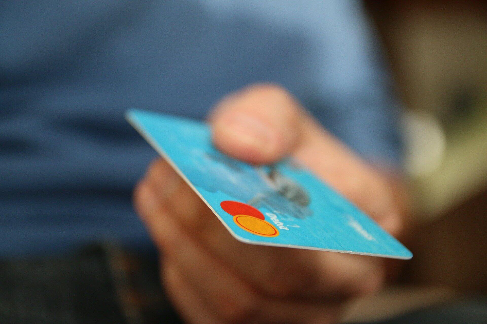 Sfaturi pentru ieseni CE poti sa comanzi cu ultimii bani din salariu1