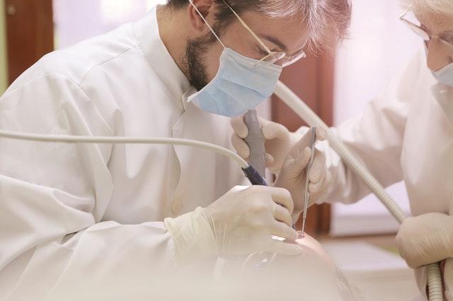 fast & fixed de la Dental Privilege