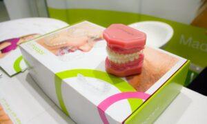 Implanturile cu dinți ficși