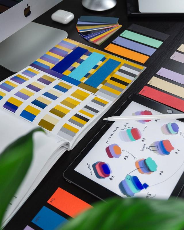 specialiști în branding de la Armeanu Creative Studio